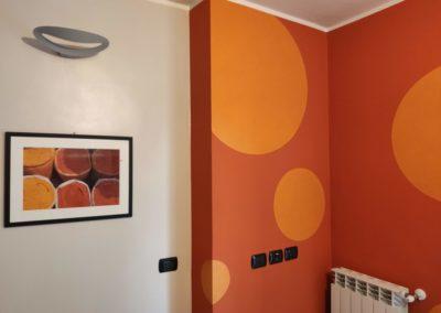 parete decorativa in cucina con smalti
